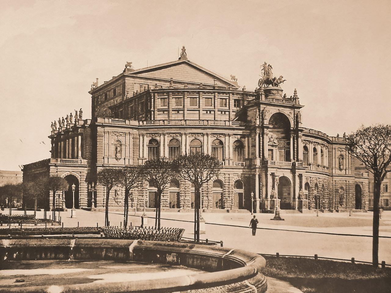 Kansas City Opera House Construction
