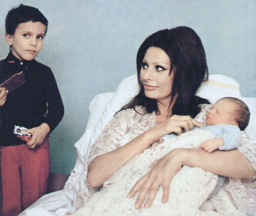 Carlo Sophia Ponti Loren Family