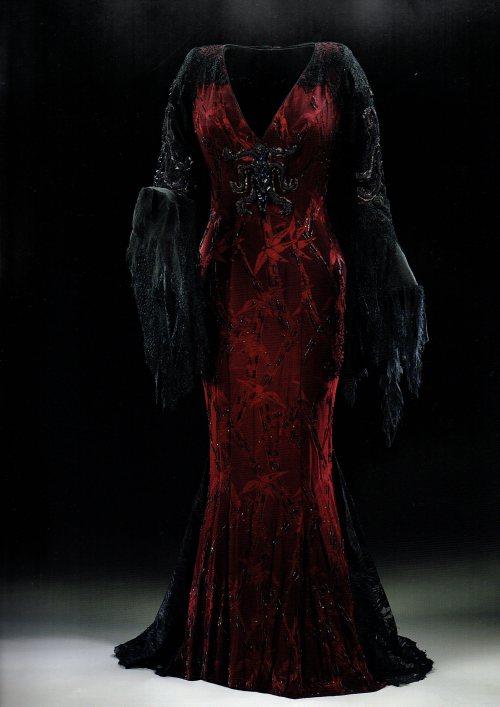 Christina Ricci Morticia Addams Dress