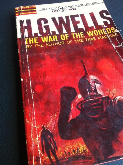 Black And White War Worlds Aliens