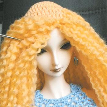 Rapunzelin hiukset omalla kädellään