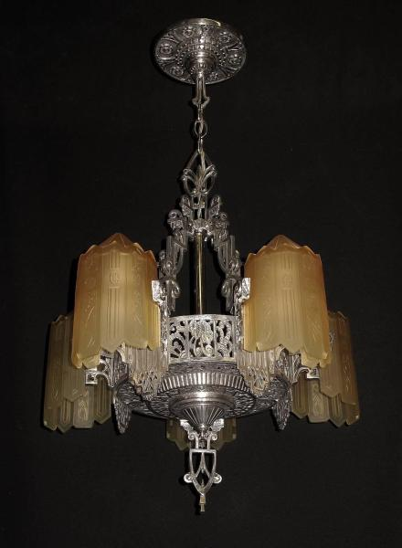 Grande Dame of American Art Deco Lighting  circa 1932 For Sale at     Grande Dame of American Art Deco Lighting  circa 1932 In Excellent  Condition For Sale In