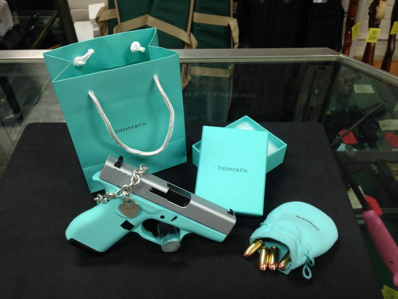 tiffany blue pistol - HD1500×1125