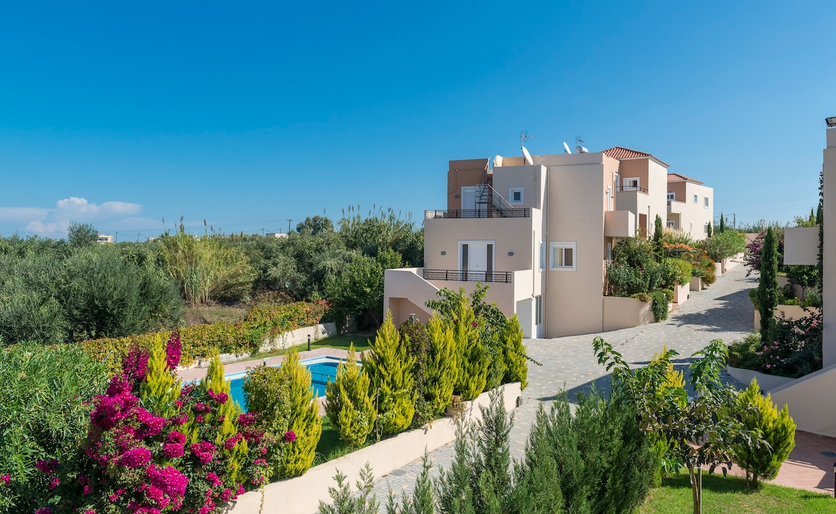 Home And Away Holiday Villas