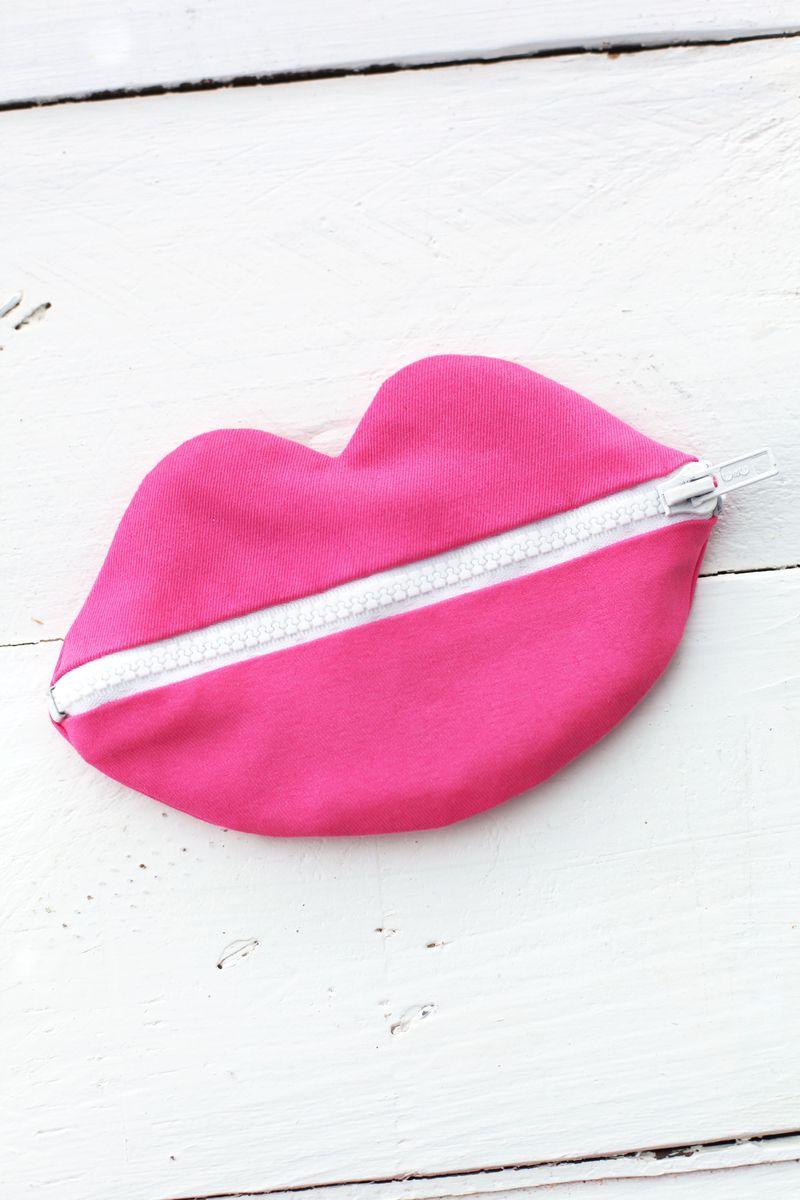 Zip Your Lips Pouch Tutorial A Beautiful Mess