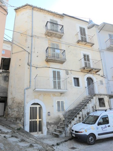 Town Property For Sale In Abruzzo Italy Real Estate Agents