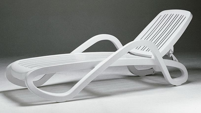 Plastic Patio Lounge Chairs