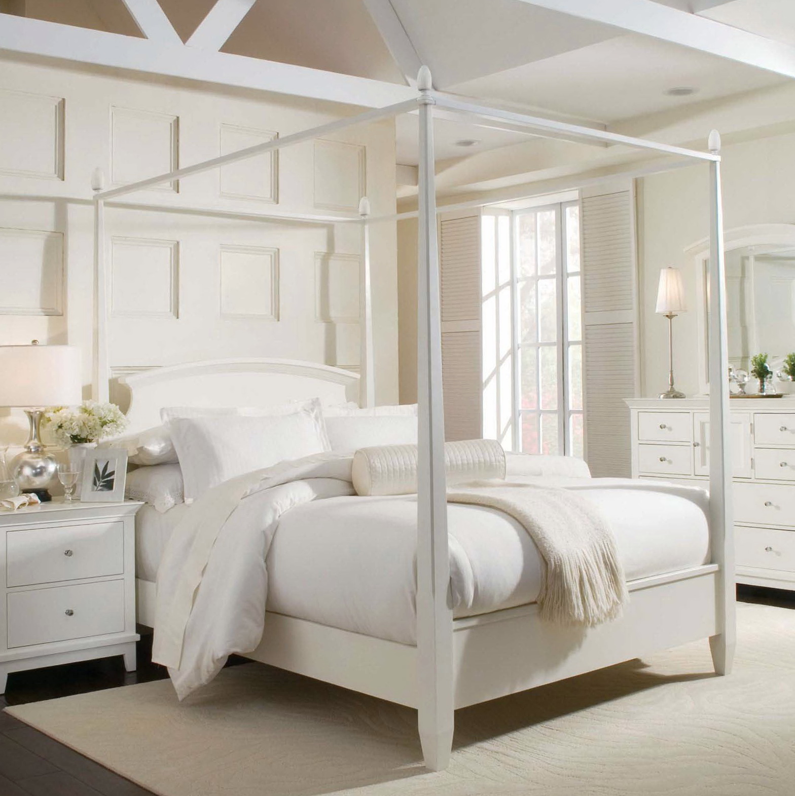 Canopy Bed Frame Queen