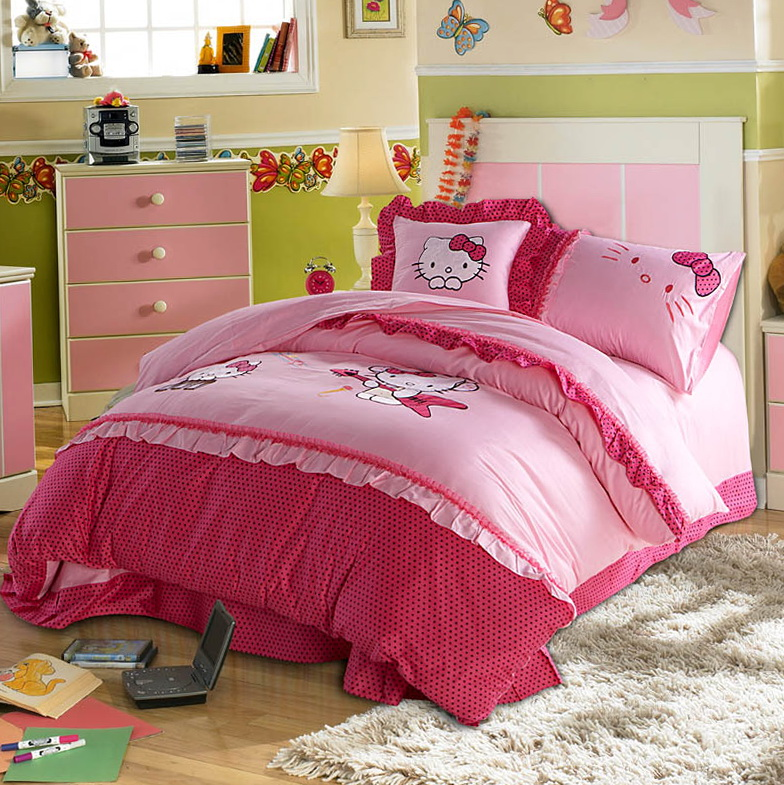 Hello Kitty Bed Set Twin