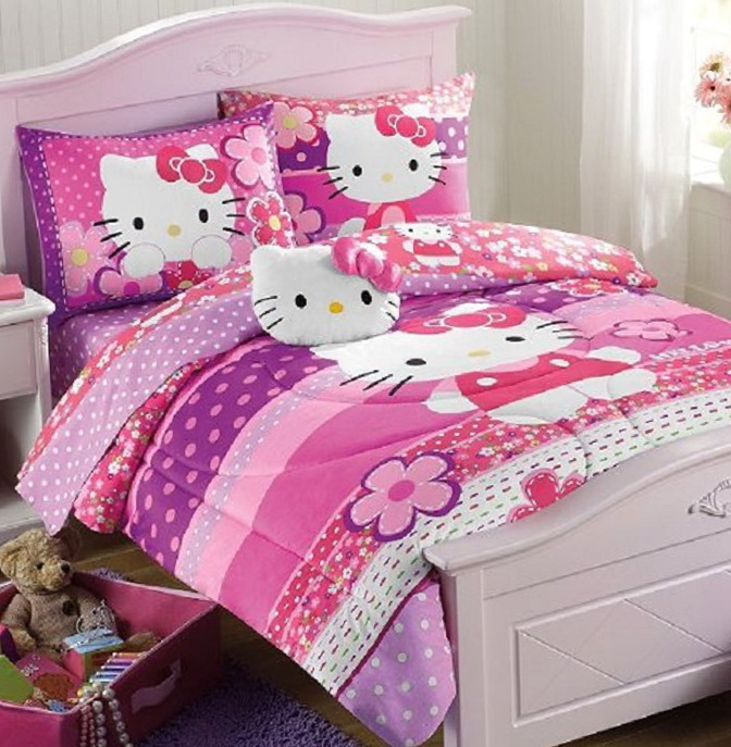 Hello Kitty Bedding Set Full