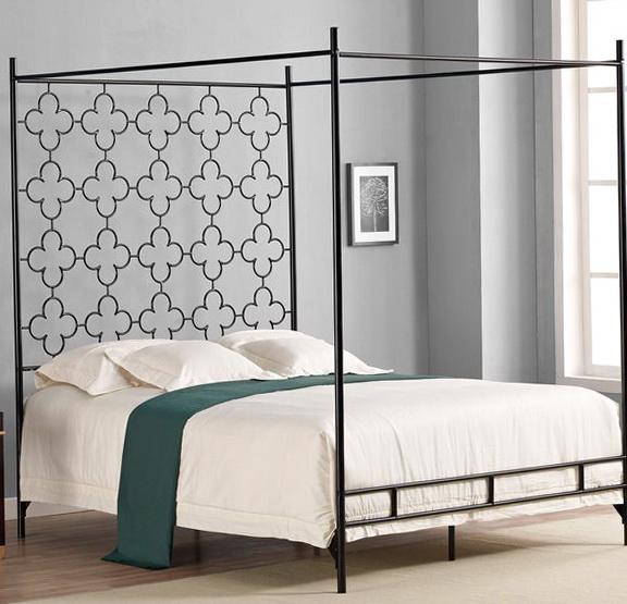 Quatrafoil Queen Canopy Bed