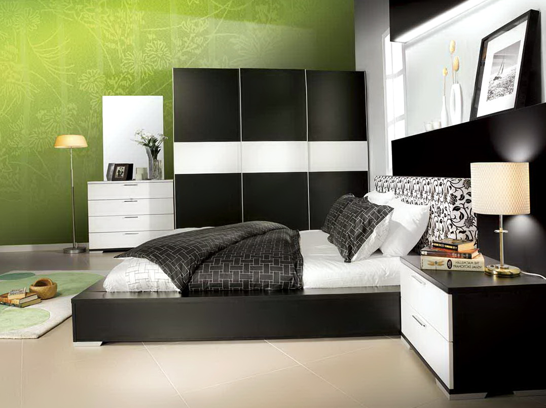 Black Bedroom Furniture Set