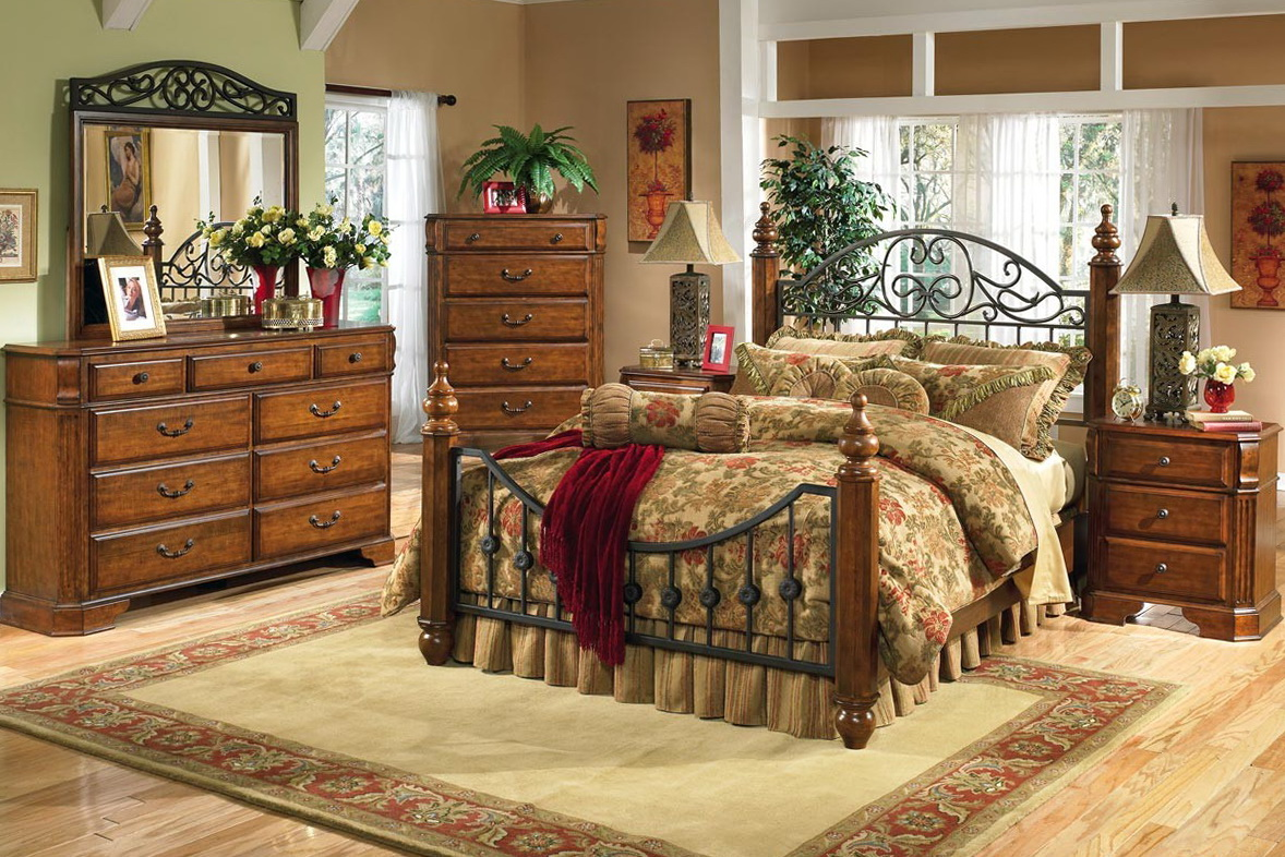 Cream Vintage Bedroom Furniture