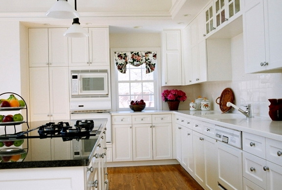 How To Paint Kitchen Cabinets Antique White