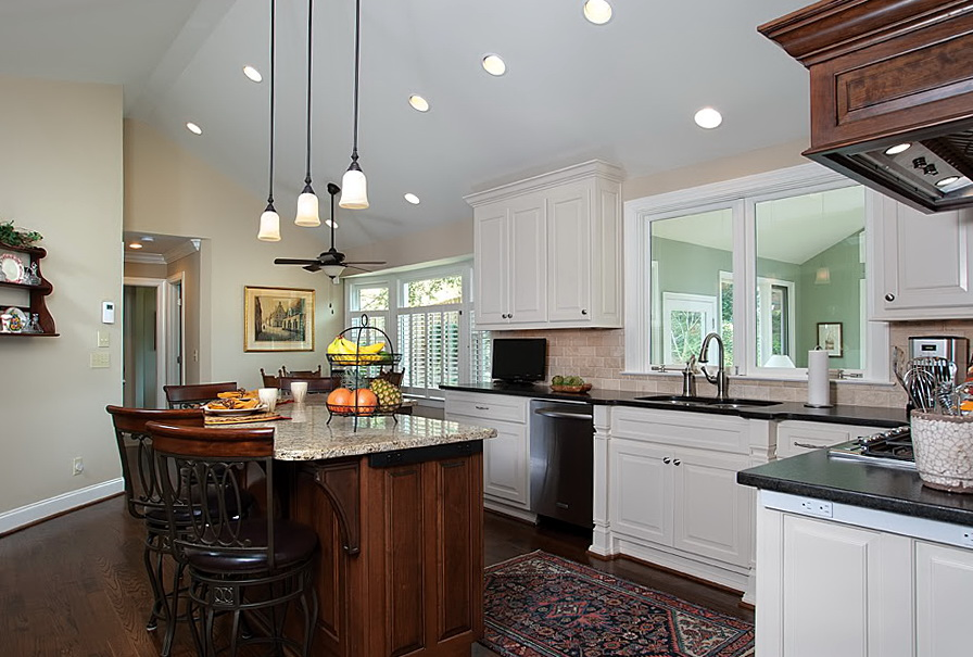 Kitchen Light Fixtures Over Island