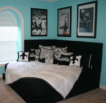 Tiffany Blue Bedroom With Black Furniture