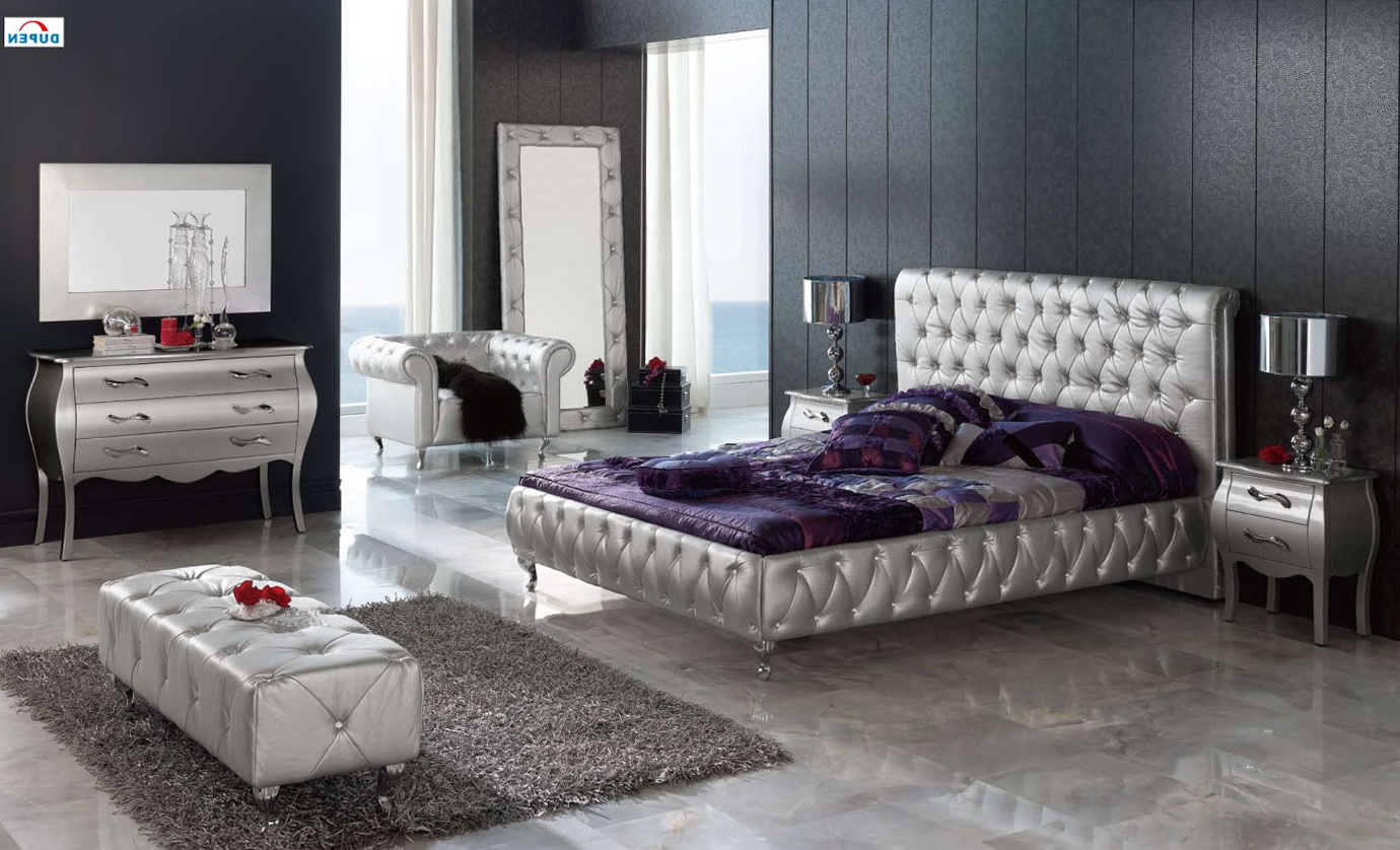White Mirrored Bedroom Furniture