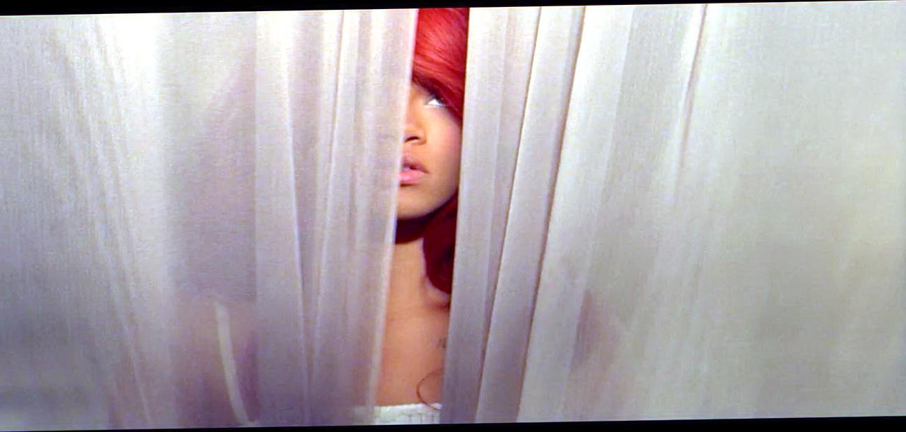California King Bed Rihanna