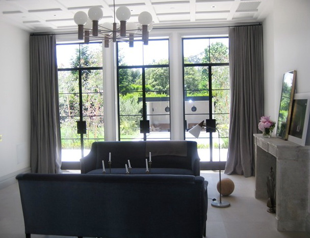 Contemporary Living Room Window Treatments