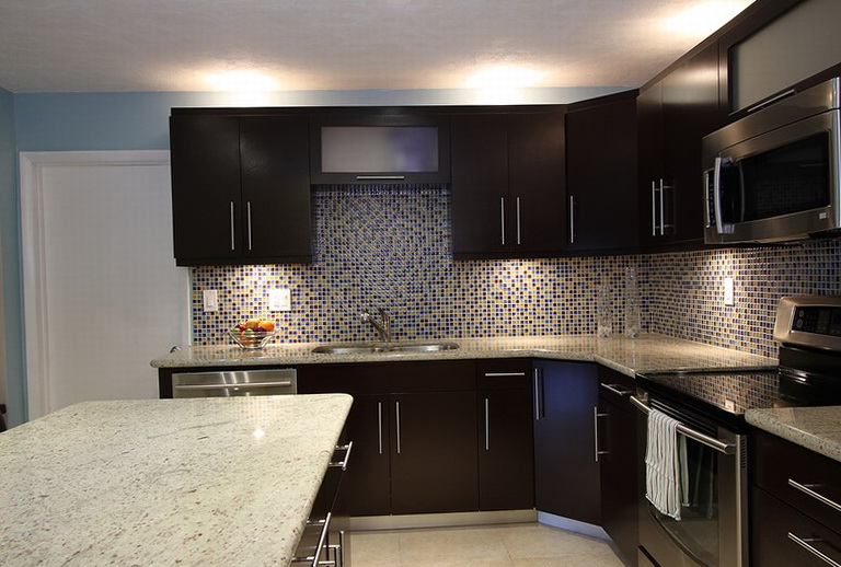Dark Kitchen Cabinets With Light Countertops