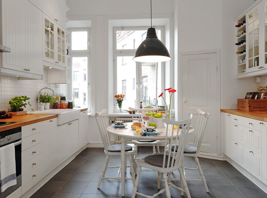 Galley Kitchen Designs 2012
