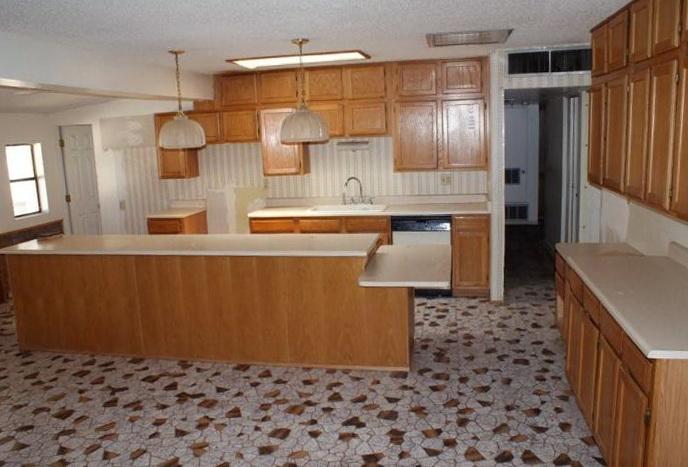 Kitchen Tile Flooring Designs