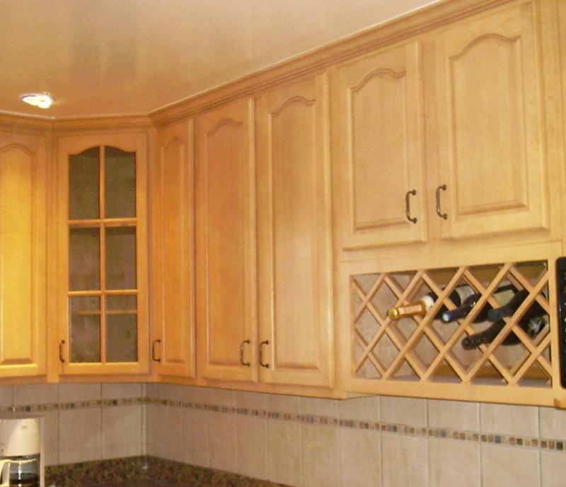 Maple Kitchen Cabinets Backsplash