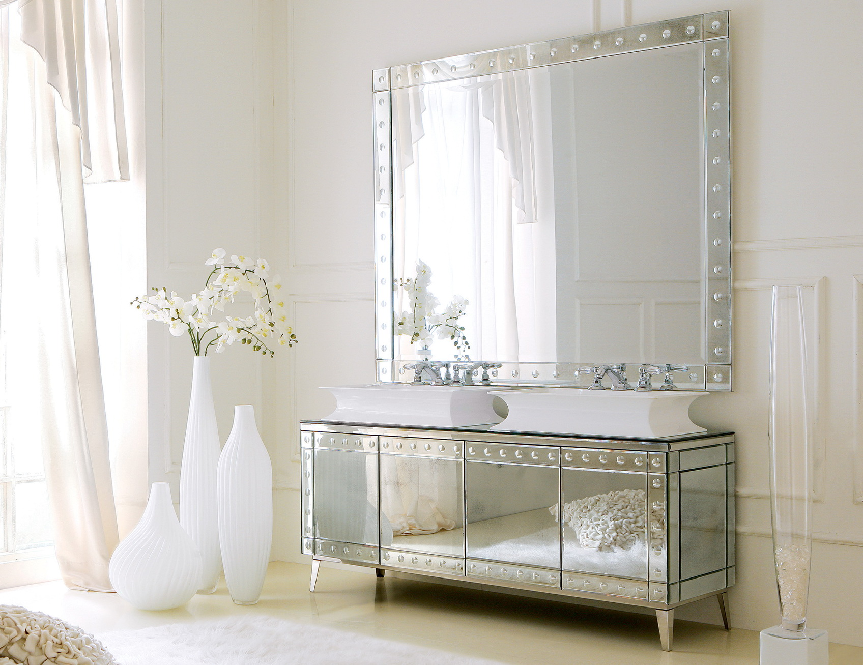 Mirrored Vanities For Bathroom