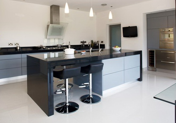 Modern Kitchen Island With Stools