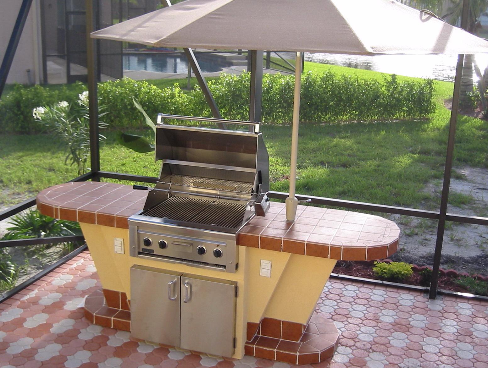 Outdoor Kitchen Island Designs