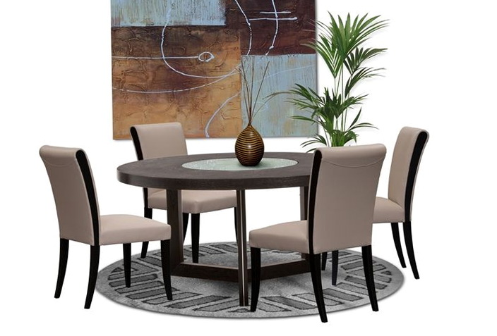 Round Kitchen Table Decor