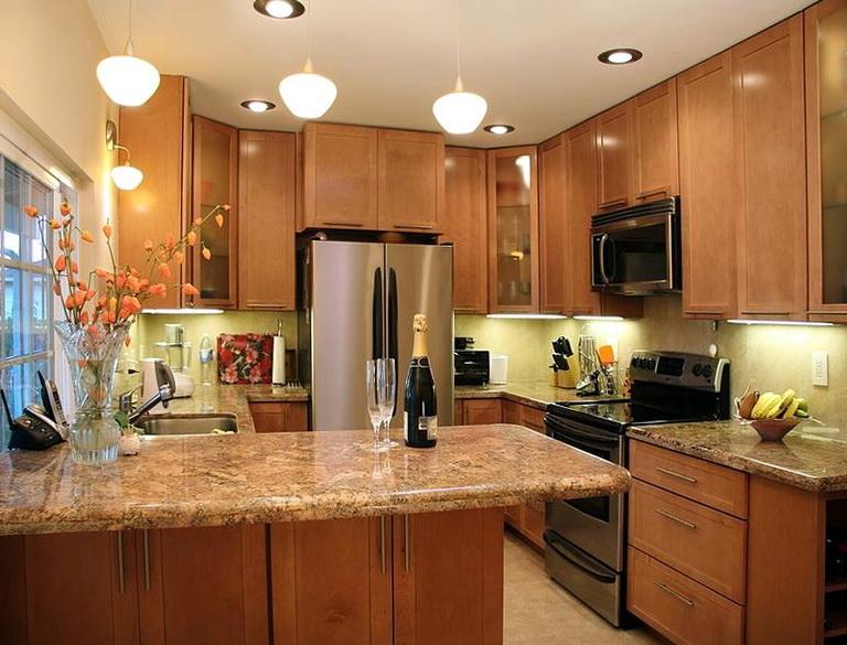 Small Kitchen Granite Countertops