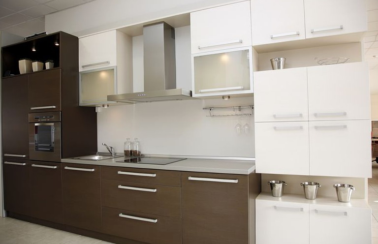 Two Tone Kitchen Cabinets Brown And White