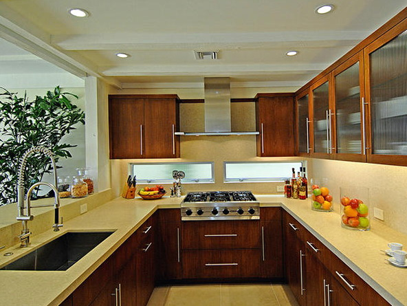 U Shaped Kitchen Layout