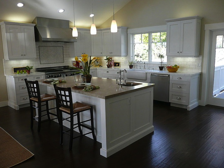 White Kitchen Cabinets With Dark Floors