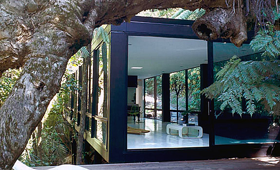 The Glass House A Retreat Into Nature Adorable Home
