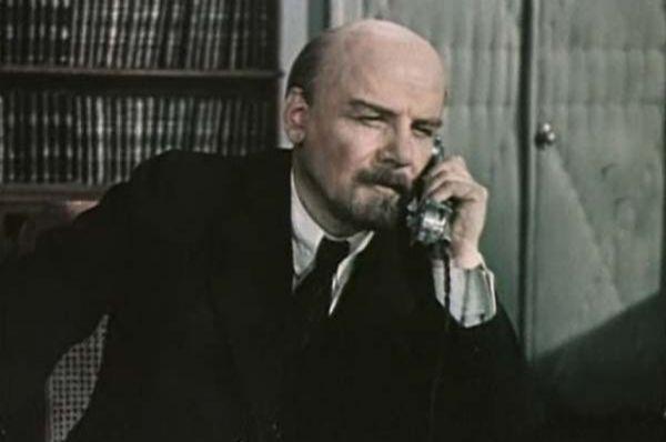 Борис Смирнов играл Ленина в шести фильмах - «Балтийская слава», 1957, «Коммунист», 1957, «Лично известен», 1957, «Аппассионата», 1963, «Именем революции», 1963, «Кремлёвские куранты», 1967.