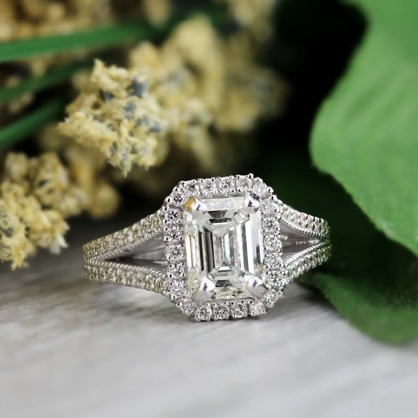 Shop Auriya 18k White Gold 2 1 2ct TDW Vintage Emerald Cut Halo     Shop Auriya 18k White Gold 2 1 2ct TDW Vintage Emerald Cut Halo Diamond Engagement  Ring   Free Shipping Today   Overstock com   10638617