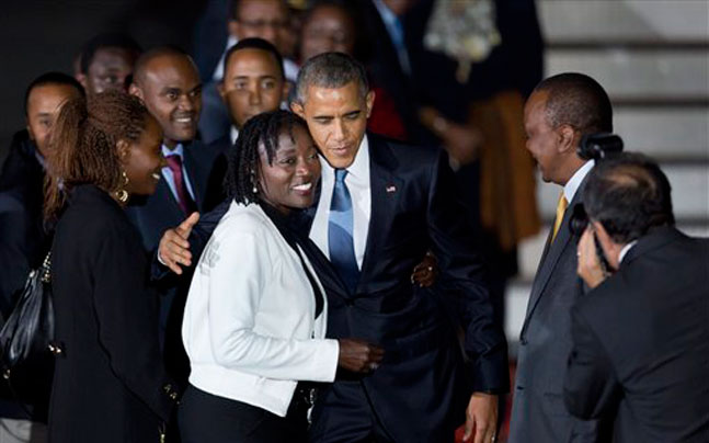 Obama returns to Kenya, reunites with father's family ...