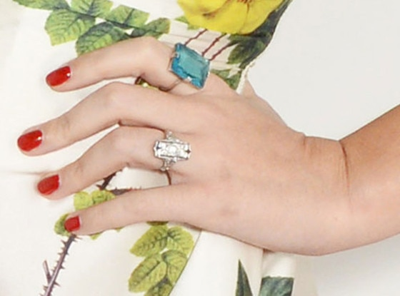 Katy Perry Wearing Massive Diamond Ring at Elle Style Awards: Now, Is That an Engagement Ring ...