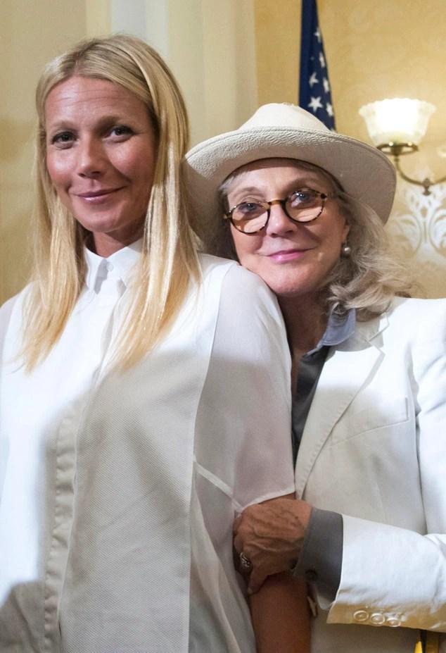 Gwyneth Paltrow & Mom Blythe Danner Head to Washington ...
