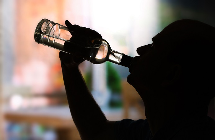 kompromi ke alkohol.