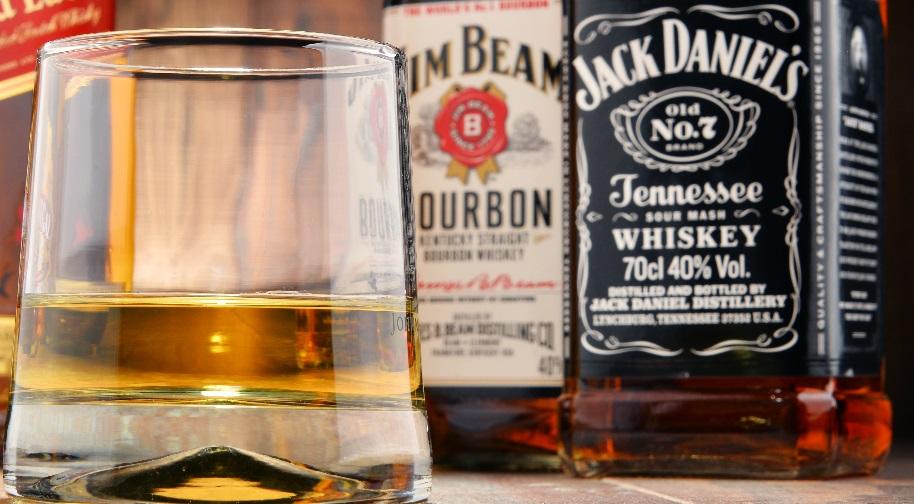 Ảnh của Bourbon Jim Bim và Jack Deniels
