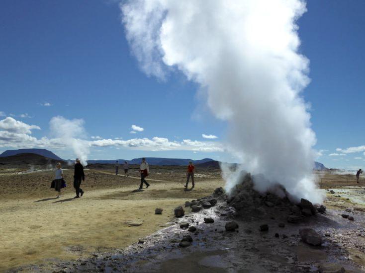 Breaks Iceland Northern Lights