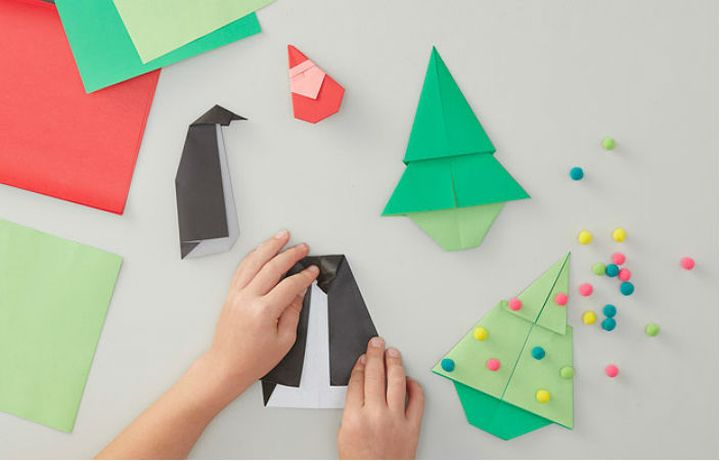 Қарапайым жаңа жылдық шырша-оригами жинауға арналған қадамдық нұсқаулық