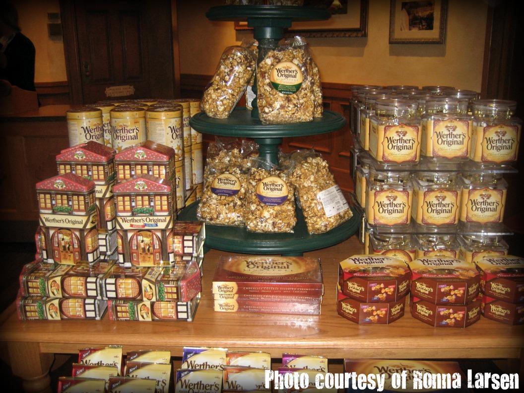A Peek At Epcot S Karamell K 252 Che All S Fare Food Blog