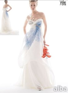 Wedding dresses with color accent  Pictures ideas  Guide to buying     Wedding dresses with color accent photo   1
