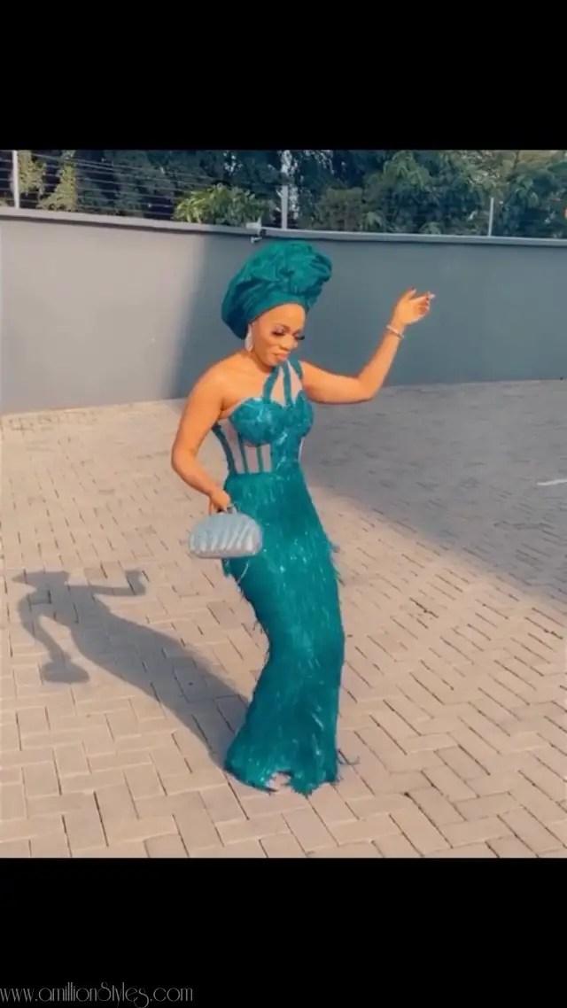 Exquisite Nigerian Lace Asoebi Styles-Volume 14