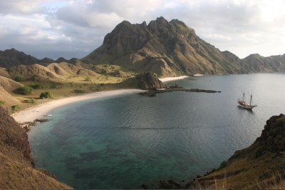 Eastern Indonesia – sailing to the Komodo Islands and ...
