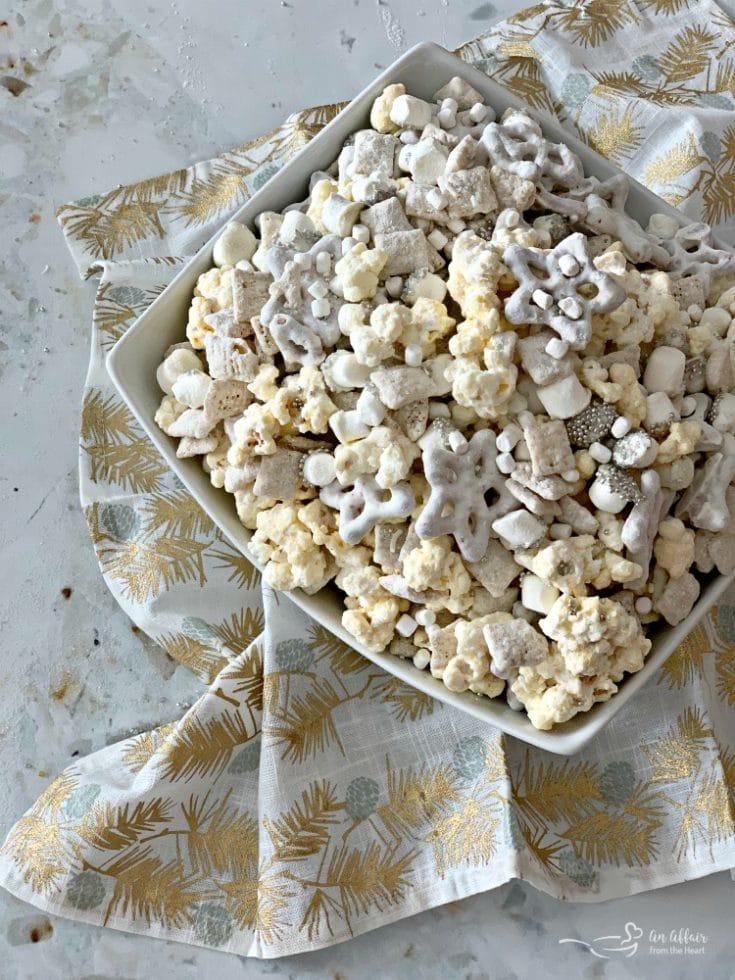 Winter Wonderland Snack Mix A Sparkling Wintery White